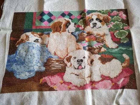 Quadro de cães feito por mim em ponto de cruz