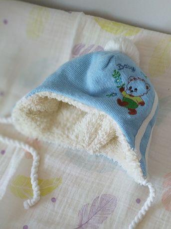Зимняя шапочка на мальчика размер 0-3 мес. 38-42.