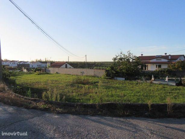 Terreno urbano em Moinhos de Carvide.