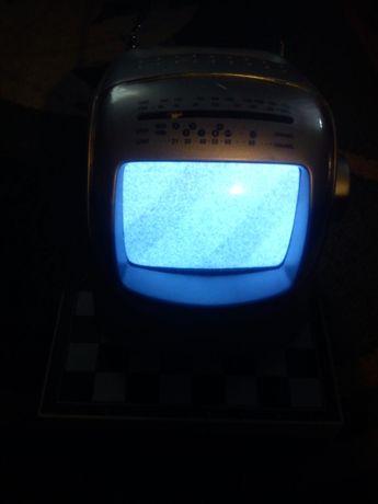 Mały telewizor 5.5 cala z radiem