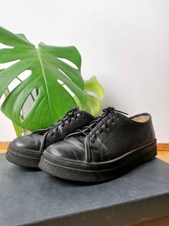 Skórzane czarne buty trampki sportowe eleganckie Paso a Paso x Radzka