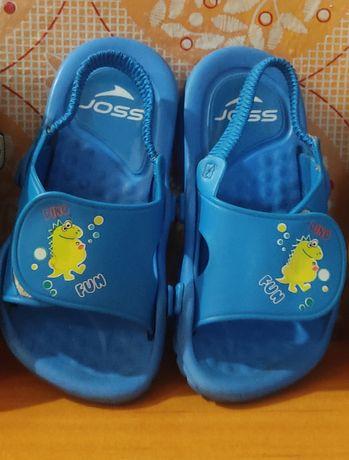 Детские резиновые пляжные сандали