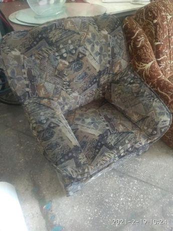 кресло в хорошем состоянии