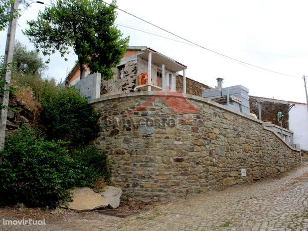 Casa em Vale de Prados