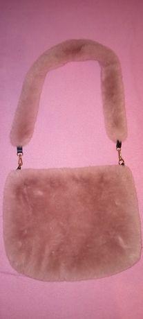 unikatowa różowa futrzana torba