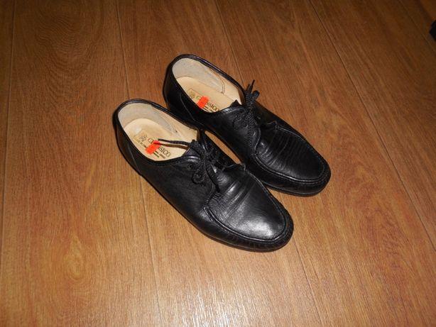 Продаю туфли - мокасины *Classico vero cuoio* Италия, р. 44 (28 см)