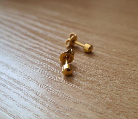 Kolczyki przebitki w kolorze złotym