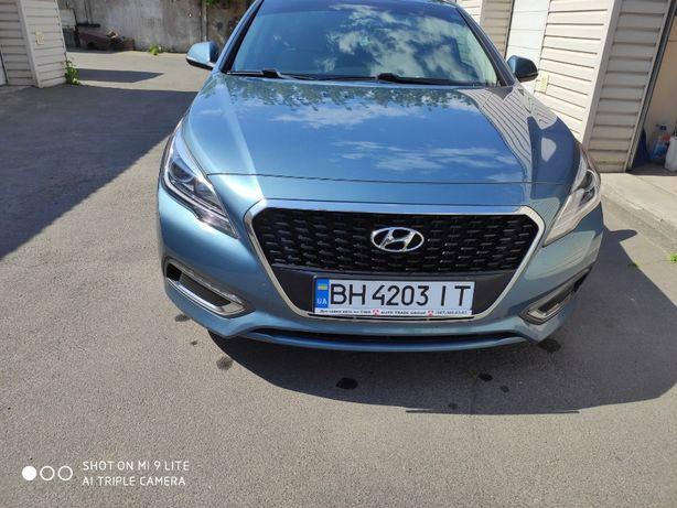 Продам Hyundai Sonata гибрид 2016
