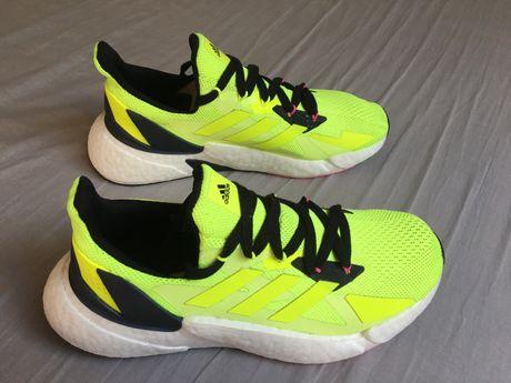 "Adidas ""Ultraboost "" - Novo"