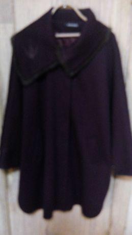 Продам женское лёгкое пальто разлетайку