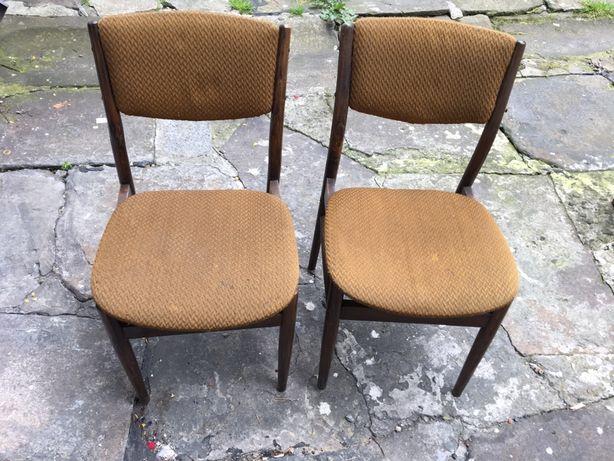 Dwa krzesla do renowacji