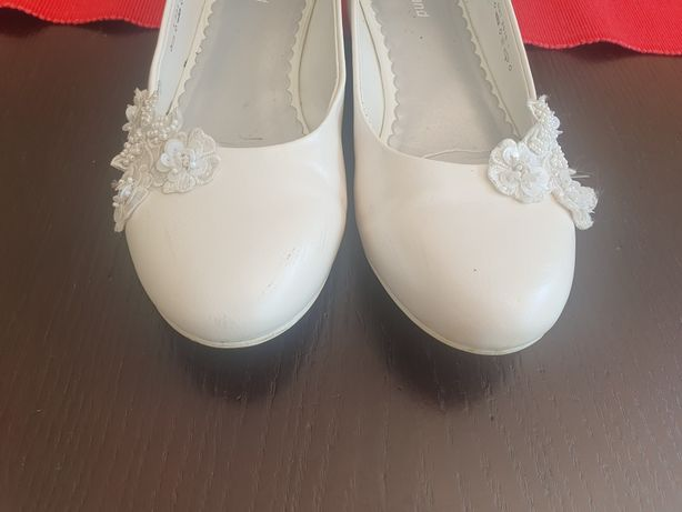 Buty komunijne r. 34 białe lakierki