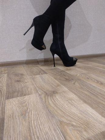 Женские стильные сапоги