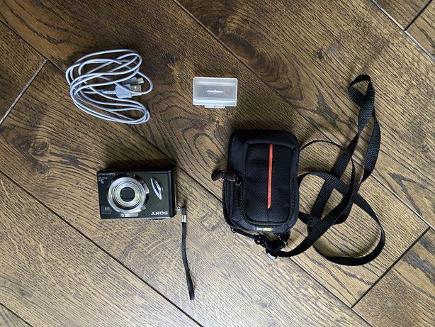 Продам фотоапарат Sony Cyber-shot DSC-W17 з кейсом в ідеальному стані