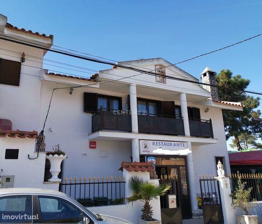 Restaurante  comida tradicional Portuguesa com esplanada + Habitação-(
