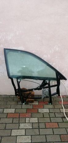 Prawe przednie drzwi Audi a4 b5 szyba prowadnica