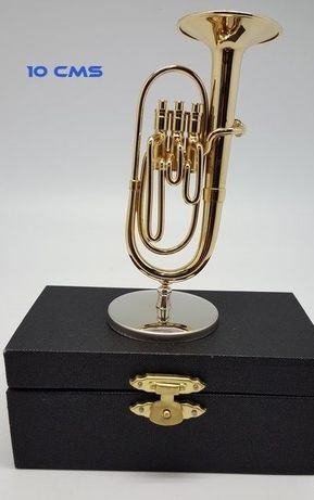 Miniaturas de instrumentos musicais de sopro