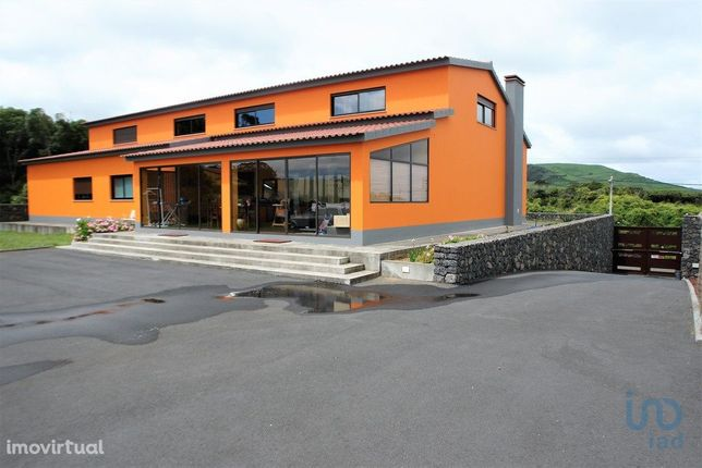 Moradia - 521 m² - T3