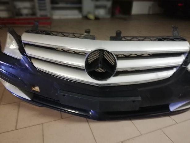 Zderzak od Mercedesa R320