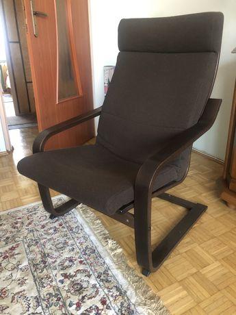 Wygodny fotel ze stelażem