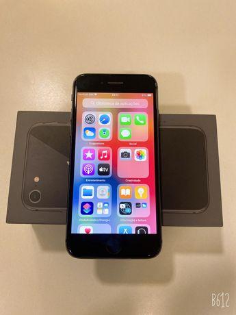 Iphone 8 (64GB) com caixa e tudos acesorios