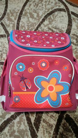 Продам рюкзак школьный для девочки Smart