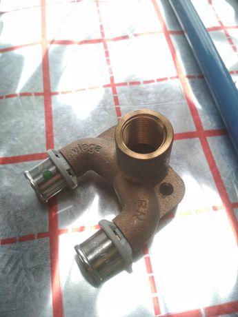 Podejście wody z cyrkulacją Viega 16x1/2