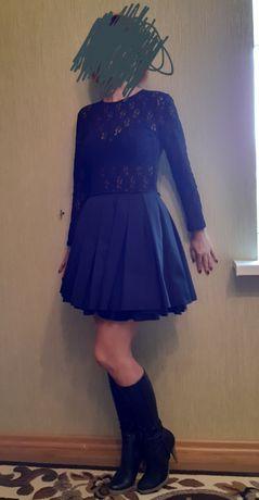 Нарядное платье 44 р.