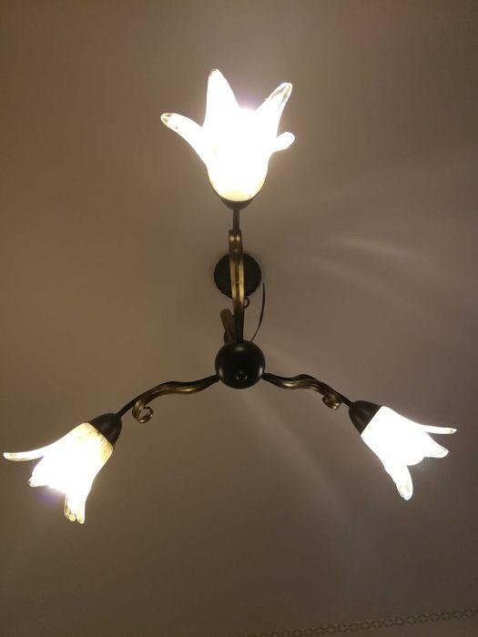 Lampa sufitowa, klosze w kształcie kielicha. Leszno - image 1