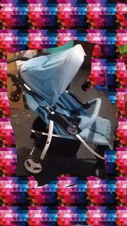 Wózek spacerowy z 4 Baby