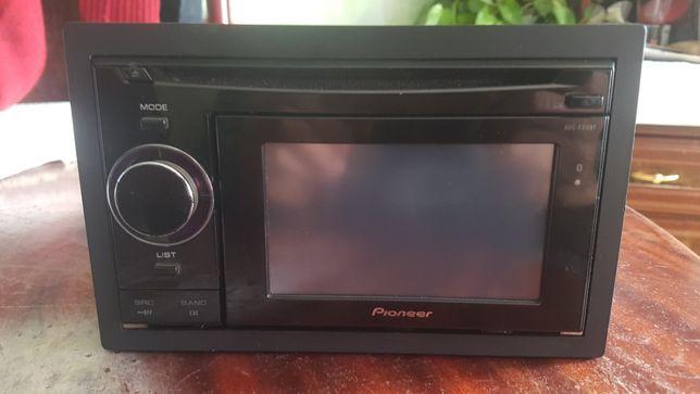 Auto-rádio Pioneer cd,usb,auxiliar,Bluetooth e GPS em excelente estado