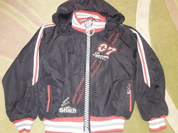 Лёгкая курточка на 7 лет цена 200