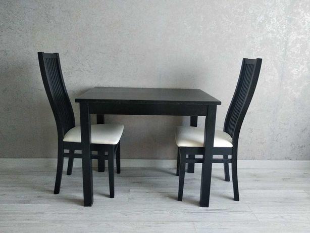 Стіл та стільці до квартири