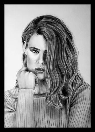 Portret na zamówienie ze zdjęcia ołówkiem rysunek napis prezent