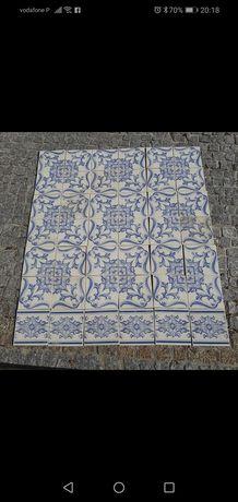 azulejo antigo e faixa da mesma linha