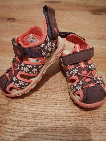Sandałki dla bliźniaczek