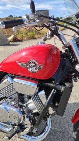 Moto VF 750 C Magna