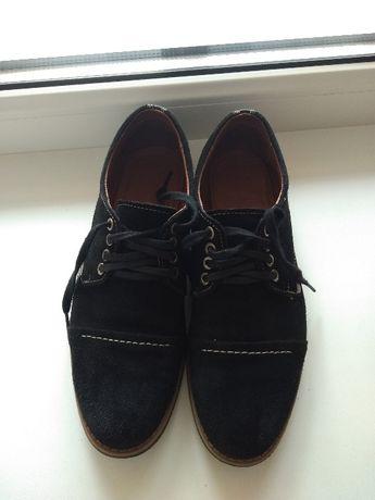 Продаю замшеві підліткові туфлі ,39 розмір