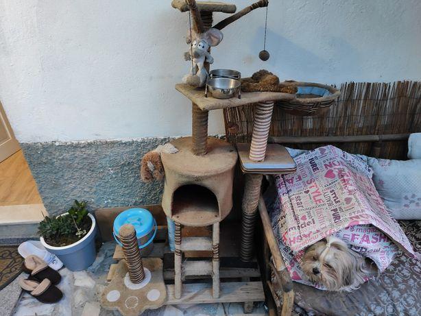 Arranhador Gato Multiplataforma com cama e abrigo + Extras