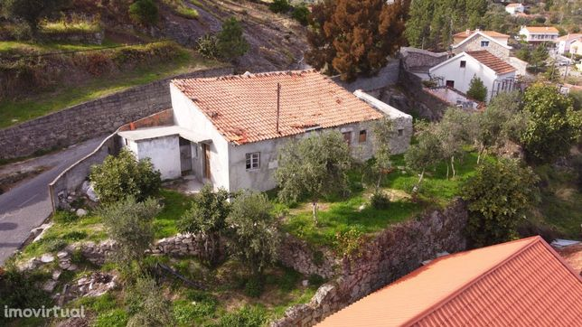 Casa em Pedra com logradouro para reabilitar   Covilhã