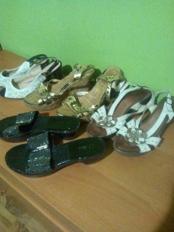 Віддаю взуття 38р