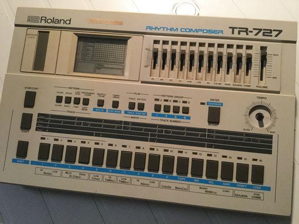 Roland TR-727 (Caixa Ritmos / Drum Machine - Latin World Sounds)