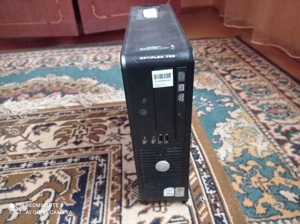 Dell optiplex 755 \ hdd 250 \ram 7 \cpu E8400