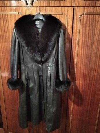 Продам кожаное пальто с мехом