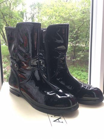 Продам демисезонные кожаные ботинки Respect