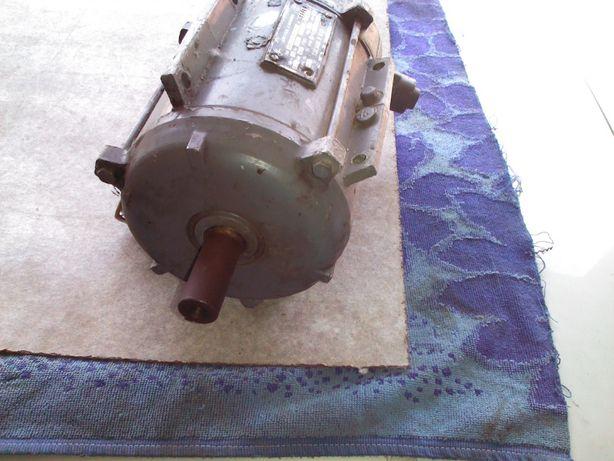 Электро двигатель СССР 3х фазный 380 вольт 550 ватт