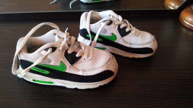 Кроссовки Nike UK 7.5 оригинал