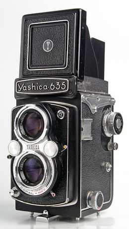+Yashica 635 6x6+135 c/estojo