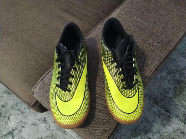 Chuteiras Nike 40