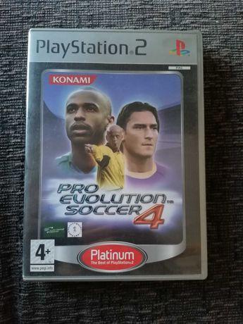 Pro Evolution Soccer 4 + FIFA 2010 - Jogos PS2